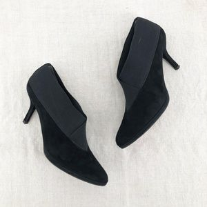 STUART WEITZMAN Black Suede Greatneck Low Heels